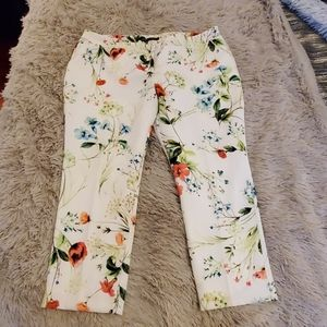 NWOT--Simply beautiful white floral pants